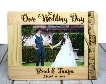 Weddig Gift, Rustic Wedding Frame, Wedding Picture Frame, Wedding Gift for Couple, Personalized Wedding Gift, Gift for Newlyweds