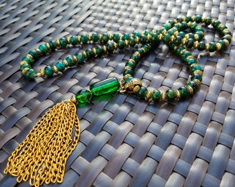 Gold and Emerald Green Tassel Necklace, Green Tassel Necklace, Green Marble Necklace, Gold and Green Necklace, Emerald Green Tassle Necklace