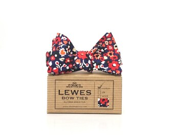 Navy blue coral and red floral cotton men's self tie bow tie, floral bow tie, navy blue floral bow tie, summer wedding bow tie, groom's gift