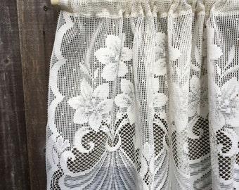 Lace Valance, Vintage Lace, Ivory, Beautiful Floral Design