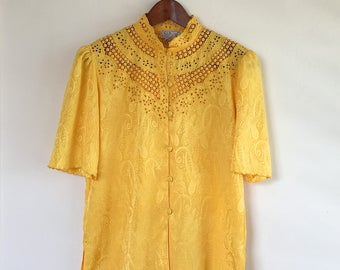 Vintage yellow paisley blouse with lace detail