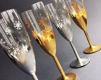 Winter wedding glasses, Snowflakes wedding glasses, SILVER wedding glasses, Winter champagne flutes, Hand painted glasses,  Set of 2