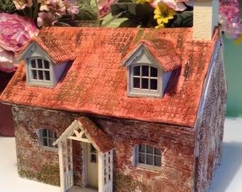 1/48, dolls house cottage,