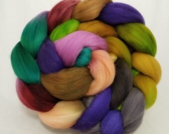 Hand dyed roving, 18.5 micron merino combed top for spinning or felting, superfine merino -- 'Vivacious'-- 5.3 oz.