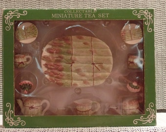Fabri-Center Of Amercia Inc. 10 Piece Asparagus Minature Tea Set. Rare, Vintage, Made In 1996