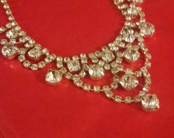 Beutiful Rhinestone Necklace, Gifts Under 30.00, Gift for Her, Brides Necklaces,Accessories, Rhinestone Necklace, Vintage 90s Necklace, Her