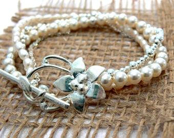 Multi stand pearl bracelet