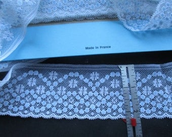 "2 1/4"" White and Blue Lace Edging"