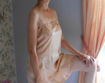Beautiful Warm Peachy/Beige 1920's Silk Flapper Teddy/Lingerie with Ribbonwork Flower