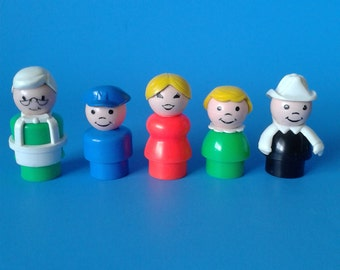 "Fisher Price Little People "" #2500 Main Street People "" 1970's"