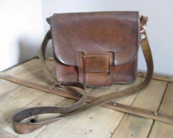 Vintage French brown leather shoulderbag