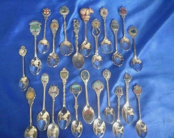 Collection of 23 Australian Souvenir Crested Spoons