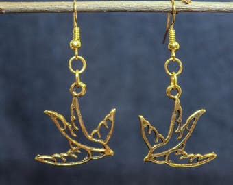 Gold plated earrings bird