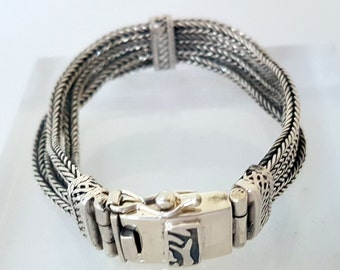 "Solid Silver Chain Link Style ""Luh"" Bracelet"