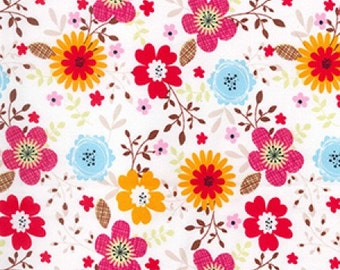 Floral Print Cotton Poplin Fabric, 100% Cotton Dressmaking and Quilting Fabric - Fat Quarter
