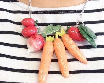 Crudité, a vegetables necklace, with ceramic charms
