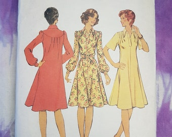 Style 1077 Smock Style Dress with or without Belt Size 12 1970s Womens Vintage Sewing Pattern
