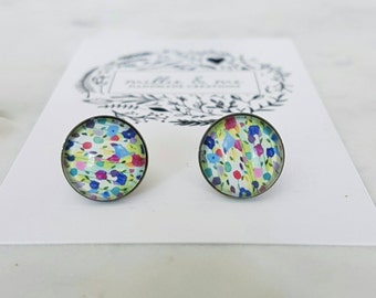 Stainless steel glass cabochon stud earrings