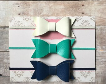 Leather Bow Headbands, Leather Bow Baby Headbands, Newborn Baby Headbands, Ivory Navy Bow headbands, Baby Shower Gift, Hair Bow Set