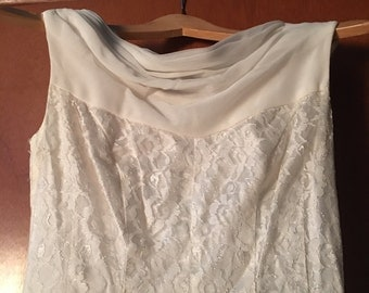 Gorgeous Vintage Sleeveless Off White Wedding Dress