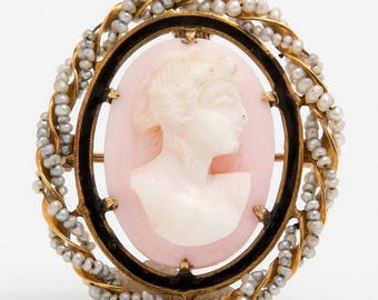 Pale Pink Cameo Brooch/Pendant with Seed Pearl Halo set in 10k Yellow Gold, early 20th century