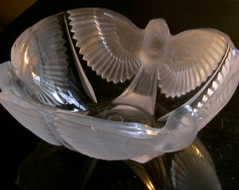 D'Arques french crystal paloma bowl, three frosted dove bowl
