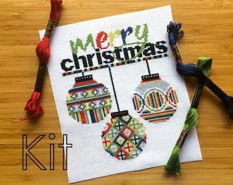 Cross stitch kit DIY: 'Christmas Baubles'