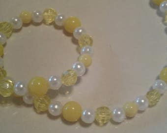 Yellow and White Beaded Stretch Necklace