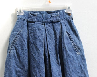 VTG 1980's Size 2 High Waist Denim Skirt with Pockets and Belt loops. Country/Farmhouse/Hipster/Folk/Cowgirl/Daily Wear/Casual/Cotton/Spring