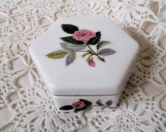 Vintage Wedgwood Trinket Box. Hathaway Rose Trinket Dish.  China Trinket Box. Pale Pink Rose Design.  Wedgwood China. Jewellery Box.