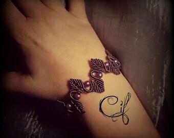 Macrame bracelet Purple leaves and pearls