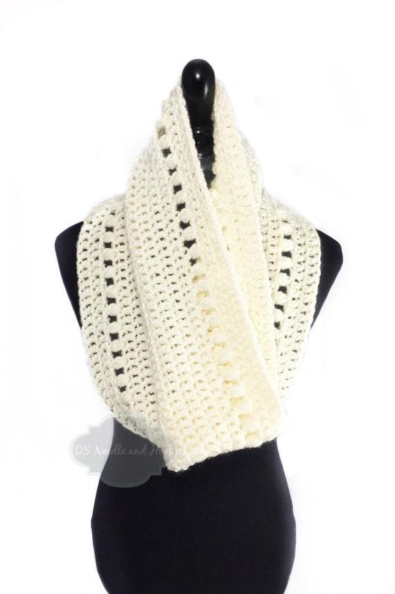 Cream Crochet Scarf, Beige Crochet Cowl, Off White Crochet Scarf, Handmade Infinity Scarf, Winter White Neck Warmer, Crochet Snood