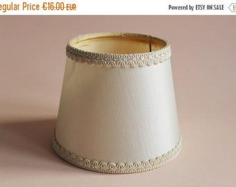 Vintage Lamp Shade. French Lampshade. Boudoir Lighting. Cream Lamp Shade. Abat jour vintage. Beige Decor. French Vintage. Campagne. Romantic