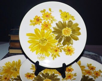 Vintage (c.1970s) Crown Lynn Topaz salad plate. Large green and yellow florals.  Made in New Zealand.