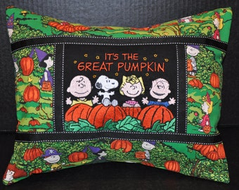 """New!  12"""" x 16"""" Charlie Brown, Snoopy Peanuts Halloween ( It's A Great Pumpkin) Home Dec Pillow Gift!"""