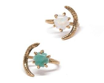 Io Ring // Moonstone