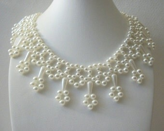 ON SALE Vintage 1960s Faux Pearls Collar Hand Made Necklace 10516