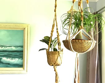 Jute Macrame plant holder, vintage jute macrame plant hanger
