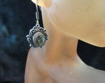 Vintage Pair Of Silvertone & Green Glass Stone Pierced Dangle Earrings