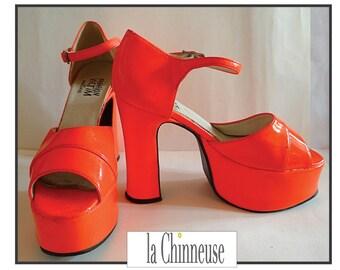 VINTAGE PLATFORM SHOES / Vintage shoes platform /Chaussures 70's Orange. Orange glaze.