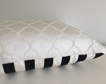 Pillow Cover Cream Clover/Black Stripe