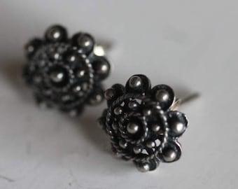 Vintage sterling silver embossed bead earrings pierced posts