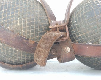Pétanque Boules and Leather Carry Strap, Vintage French Outdoor Game Past-time Farmhouse Decor Petanque French Bowls Bowling Garden Game
