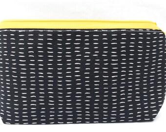 Purse // knitting notions bag // makeup bag// zipper pouch // black & white