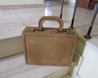 Leather WEST GERMAN BRIEFCASE - small suit case - vintge - retro - D.B.G.M. Made in W. Germany