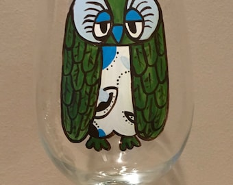 Handpainted retro owl wineglass