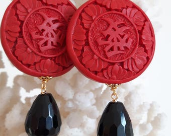 Red cinnabar lacquer with Silver earrings, Black Onyx drop