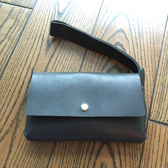 Black Unisex Leather Travel Wallet, Leather wallet, Leather mens wallet, Leather women's clutch, Leather wristlet