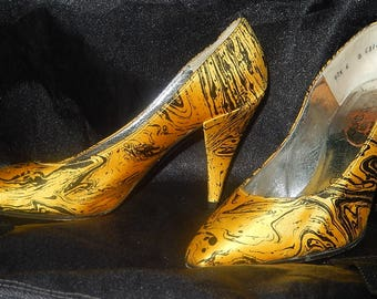 Sumptuous shoes vintage CHARLES JOURDAN size 6 is a 37.5