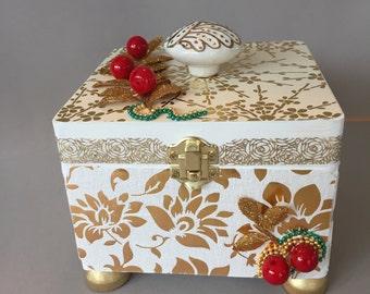 Christmas elegance, treasure, memory, keepsake, photo box